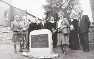 Unveilling the plaque to James Clerk Maxwell in 1989